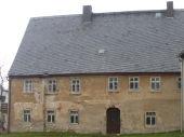 Grundstück mit sanierungsbedürftigem Haus