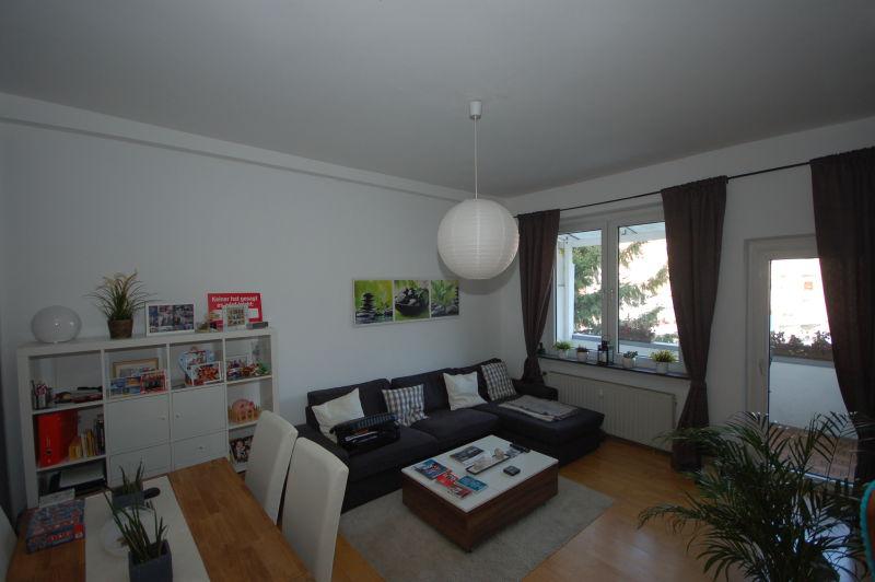 Ruhig gelegene 1-Zimmerwohnung - mit Balkon, Einbauküche,