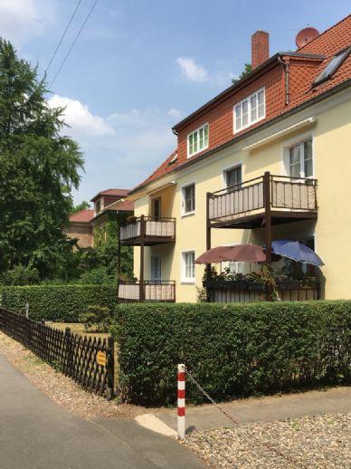 Am Pillnitzer Schloßpark- Schicke 2-Raum-Wohnung mit Südwestbalkon (hochparterre)
