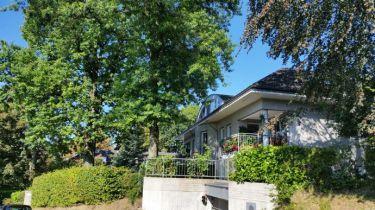Dachgeschosswohnung in Bergisch Gladbach  - Bensberg