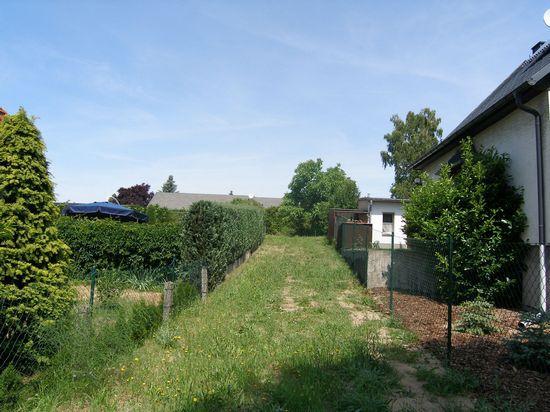 Schöner großer Bauplatz in zweiter Reihe in Weinböhla- teilbar!