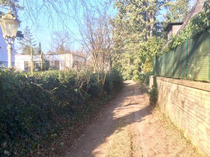 Grundstück zur Bebauung mit einem Einfamilien-/oder Doppelhaus ( mit...