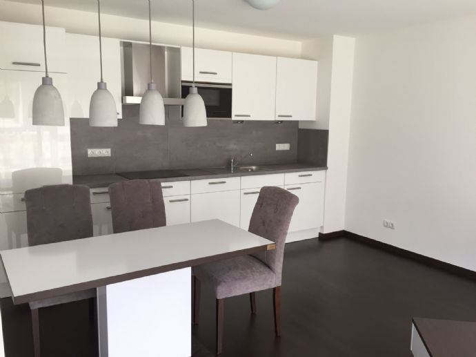 TOP Apartment - kompl. möbliert *All-In-Miete* BMW / Olympia Park
