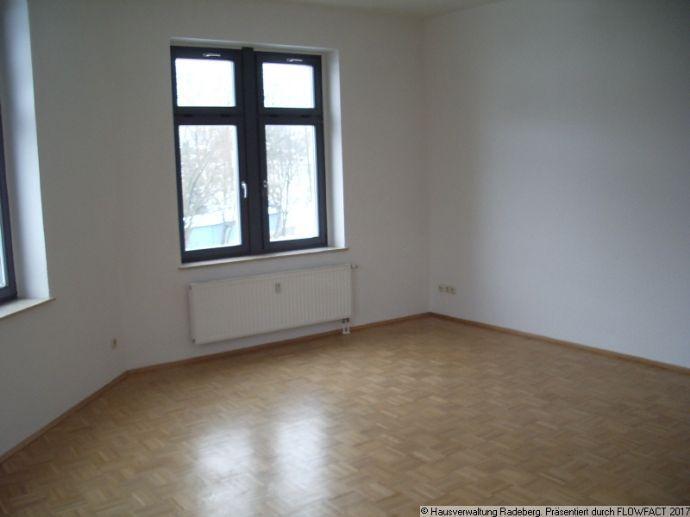 Single - Wohnung mit separatere Einbau-Küche