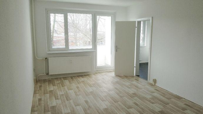Erstbezug nach Sanierung - 3 Zimmer im 1. OG in Groß Klein