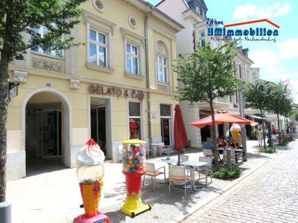 Eiscafe in der Fußgängerzone Neustrelitz zu verkaufen (Gewerberäume zur Miete)