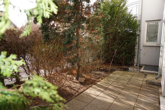 2-Raum-Wohnung mit Terrasse und kleinem Gartenanteil in ruhiger Lage