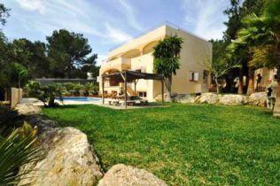 Villa in Cala Bassa