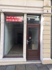 Kleines Ladenlokal in guter Lage,  geeignet auch für Bäckereiverkauf...