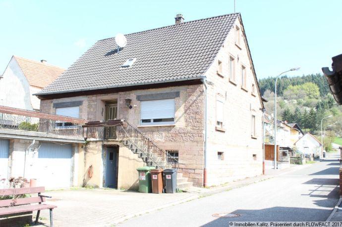 Freistehendes älteres Häuschen mit Garage in Schweisweiler