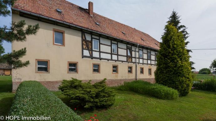 Bauernhaus - Einfamilienhaus bis Zweifamilienhaus in Churschütz als Mehrgenerationshaus