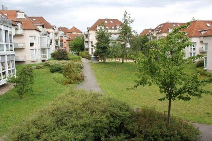 Schöne 2-Raum-Wohnung mit Balkon, Einbauküche & TG-Stellplatz in gefragter, ruhiger Lage
