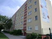 3-Raum Wohnung mit Balkon, Bad mit Wanne und Fenster !
