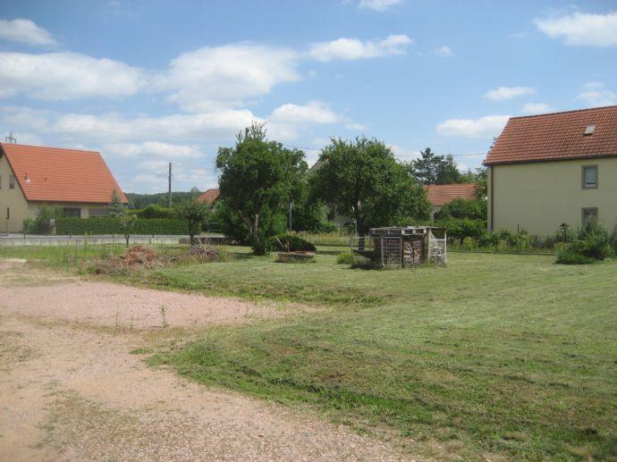 Zwei attraktive Baugrundstücke in 01689 Niederau - Nähe Ortsgrenze zu Weinböhla