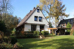 Einfamilienhaus in Hamburg  - Osdorf
