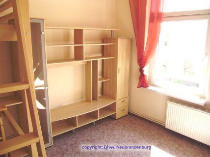 Teilmöblierte Wohnung, einfach, praktisch und beste Lage in City und...