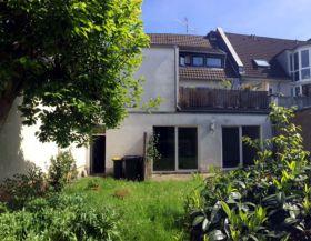Mehrfamilienhaus in Köln  - Stammheim