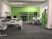 Großzügige Büro/Praxis Räume in verkehrsgünstiger Lage