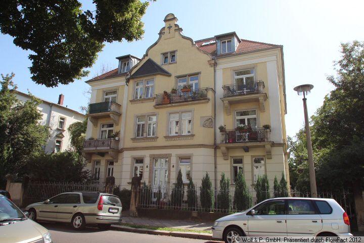 große 4-Zimmer-Altbau-Wohnung in Laubegast mit Balkon, Aufzug