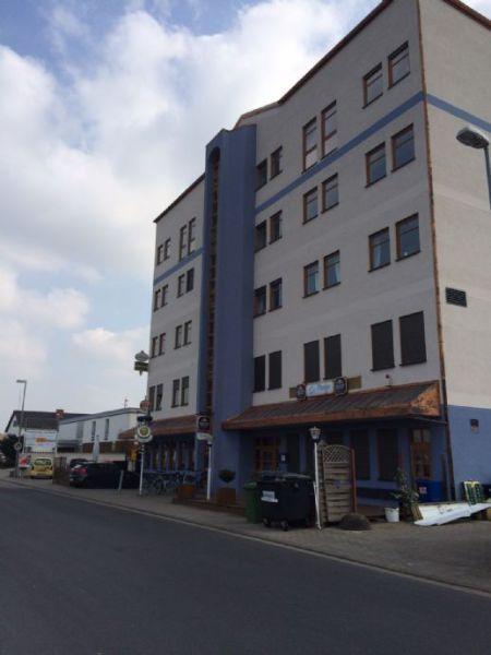 Repräsentative Büro-/Praxisfläche im Gesundheitszentrum von Maxdorf ...