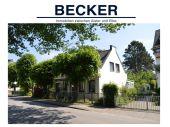 Zwei kleine Haushälften/Historisches Doppelhaus am Nienstedtener Marktplatz