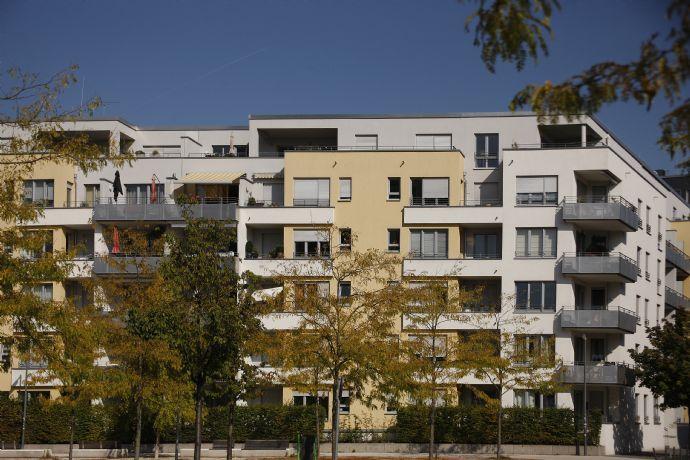 Exklusive 4-Zimmer-Wohnung in zentraler Lage, möblert