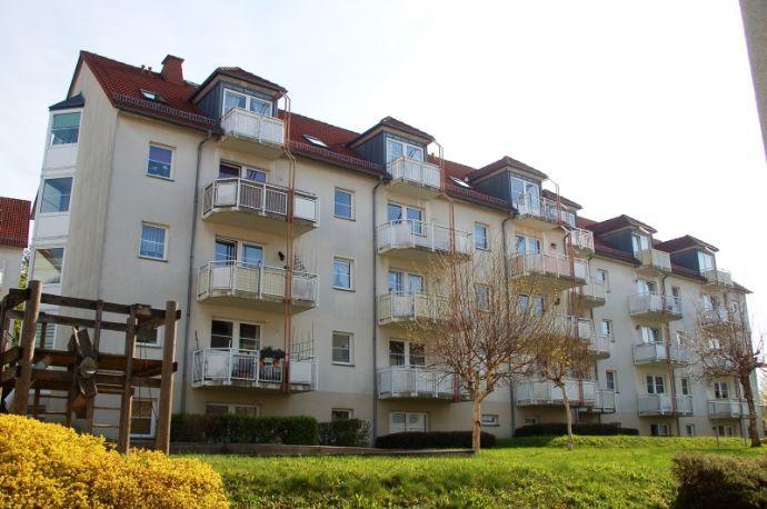 großzügige 1 Raumwohnung im Erdgeschoss mit Balkon