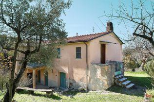 Bauernhaus in Montasola