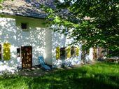 Sanierungsbedürftiger Resthof mit 2 Wohneinheiten, Scheune und ca. 1,5 ha Land