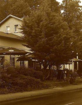 Besondere Immobilie in Potsdam  - Eiche