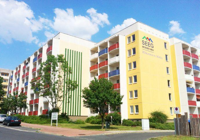 Einziehen und Wohlfühlen! Barrierefreie 2-R.-Wohnung mit großem Balkon im Fellbacher Bogen