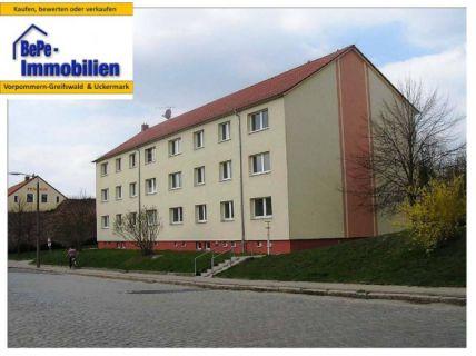 BePe-Immobilien, 1- Raumwohnung im modernisierten Altbau + PKW-Stellplatz...