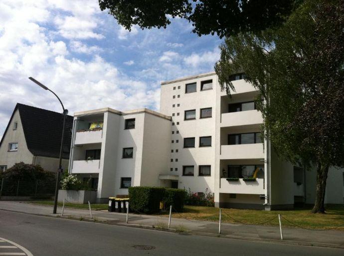 Modernes Apartment, separate Küche, Balkon, Einbauküche