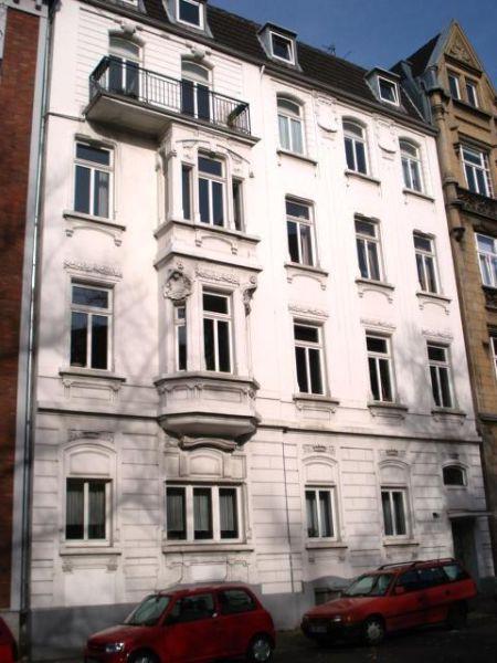 Ruhige, gepflegte Dachgeschosswohnung in zentraler Innenstadtlage