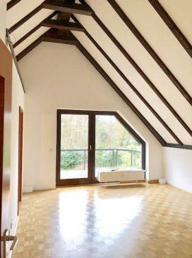Dachgeschosswohnung in Essen  - Heisingen
