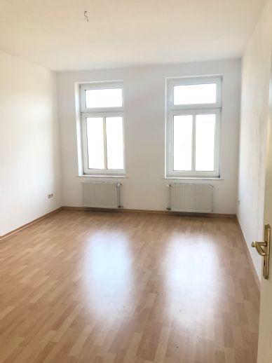 Geräumige 3 Zimmer Wohnung in Neustadt-Abtnaundorf * WG geeignet