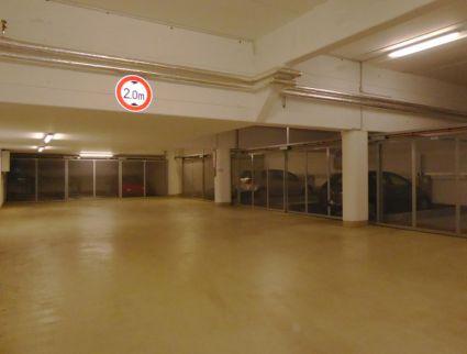 TG - Stellplatz mit -Trend Vario Parksystem - im Zentrum von Rissen