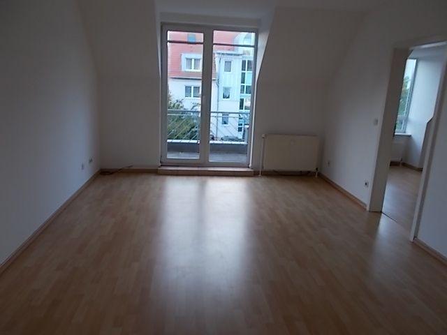*** Gemütliche 2-Zimmer mit Wannenbad und Balkon in ruhiger Lage!!!***