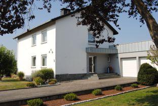 Zweifamilienhaus in Warburg  - Ossendorf