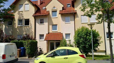 großzügig geschnittene Eigentumswohnung in Dresden Weißig