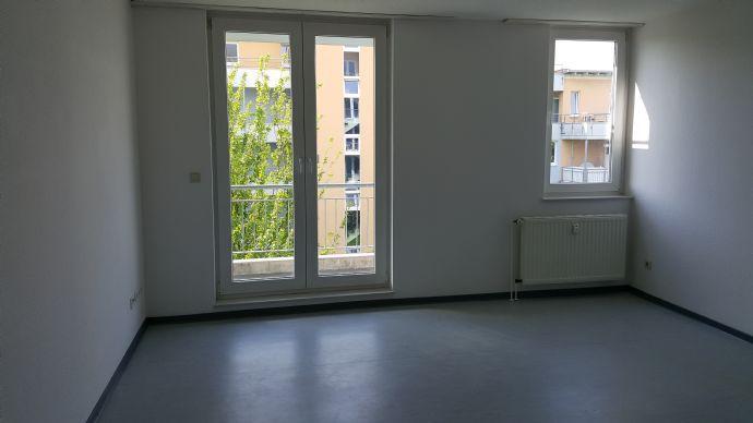 3,5 Raum-Wohnung mit Balkon Nähe U35