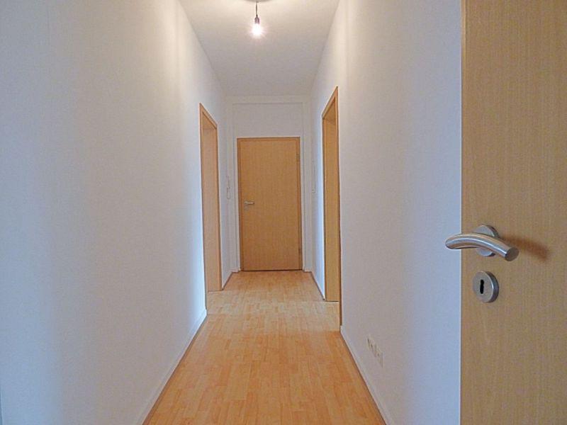 Frisch renoviert!! Helle 3-Raum Wohnung!! Ideal auch als WG Wohnung