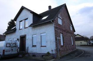 Zweifamilienhaus in Boffzen