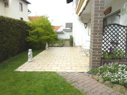 ***Separater Eingang, Garten, Kamin! Geschmackvolle 3-Zimmer-Eigentumswohnung...