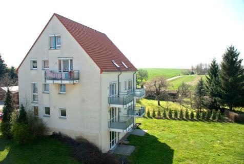 Gemütliche Single-Wohnung mit kleiner Terrase und Blick ins Grüne
