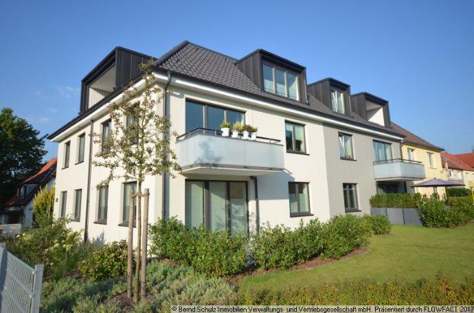 neuwertige 3-Zi, Balkon, Duschbad, EBK