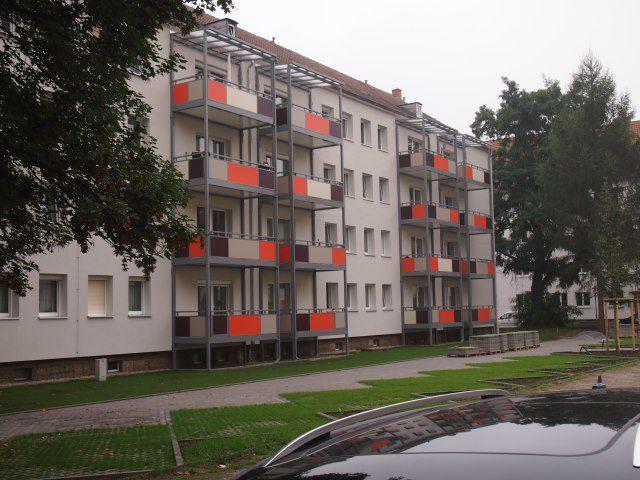 MODERNISIERTE 3 Raumwohnung mit praktischem Grundriss, BALKON und neuem Bad