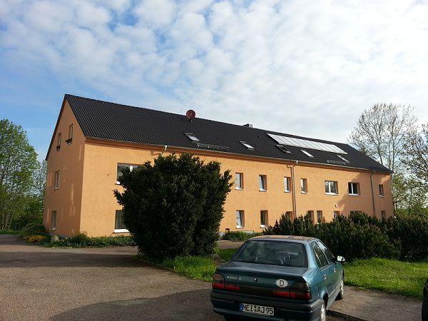 Ullendorf / Klipphausen ... wirklich schöne 2 Raum WE - Zweitbezug nach Vollreko mit Dachterrasse !