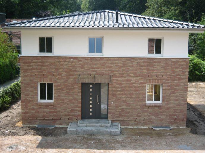 Klasse Su0026T Toskana Haus In Schnelsen Mit Vollkeller!