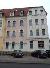 Schöne Zweiraumwohnung in Freiberg und der Pizzabäcker ist im Haus